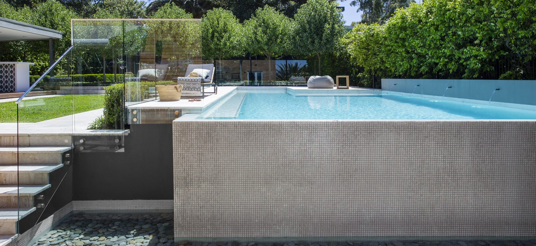 Above ground pool design
